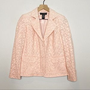 [Dialogue] Pink Lace Embroidered 2 Button Blazer